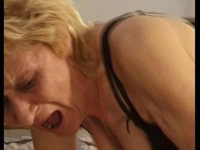 Deutsche Granny im Sexfilm