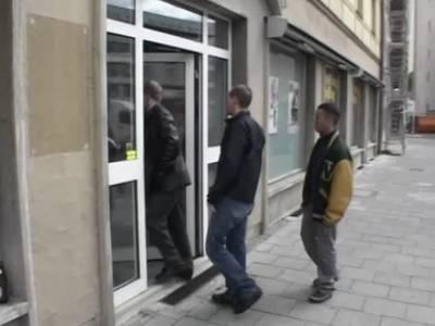 Deutscher Gangbang mit sprmageiler Blondine