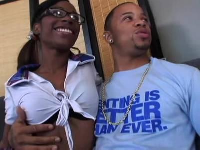 Black Teen und ihr Freund