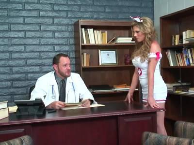 Doktort hat HD XXX mit einer Krankenschwester