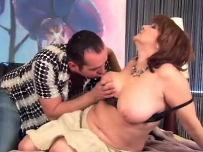 Geiler Sex mit dicker Granny